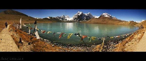 Озеро Гурудонгмар - место паломничества буддистов