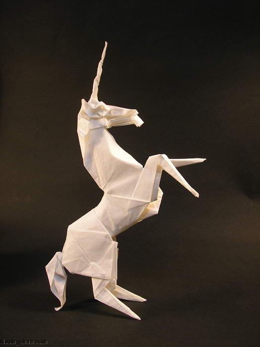 Единорог из бумаги -исскуство