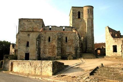 Та самая церковь, где заживо сгорели 445 женщин и детей