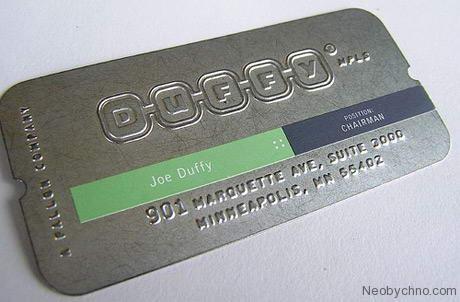Металлическая визитка с теснением