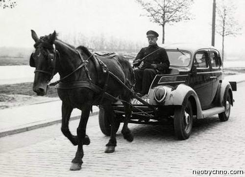 Автомобиль с конной тягой