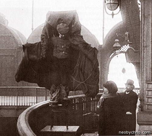 Франц Райхельт и его плащ-парашют
