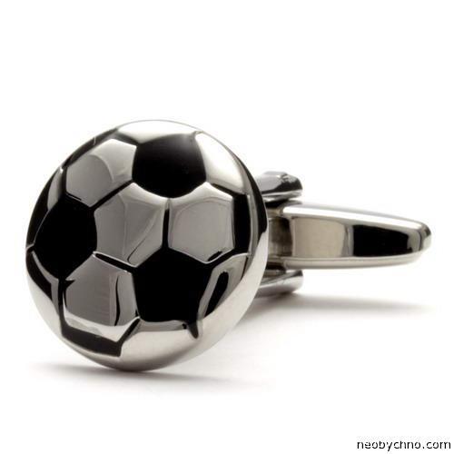 запонка для футболиста