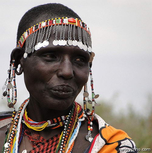Женщина из племени масаи