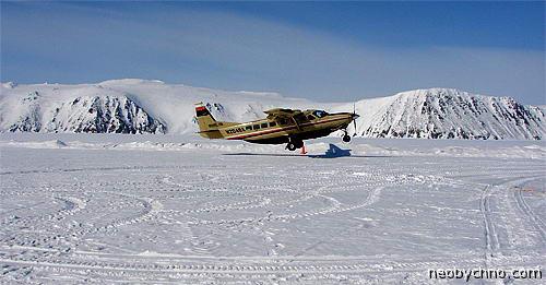 Самолет Беринг Эйр на границе РФ и США