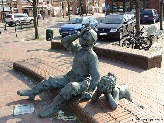 памятник смеху