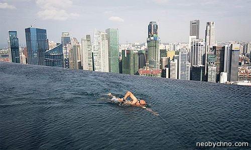 Самый высотный плавательный бассейн в мире