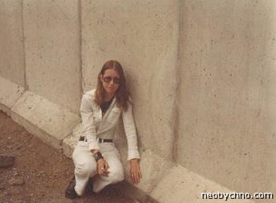 Влюбилась в берлинскую стену