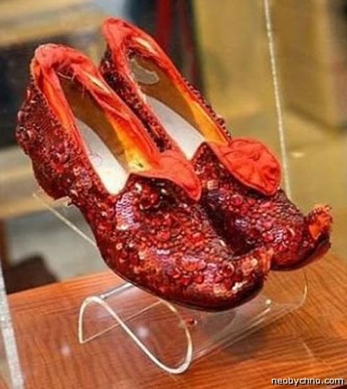 Дорогая обувь для дорогой подруги