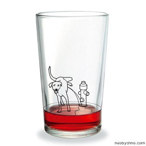 В стакан написала собака