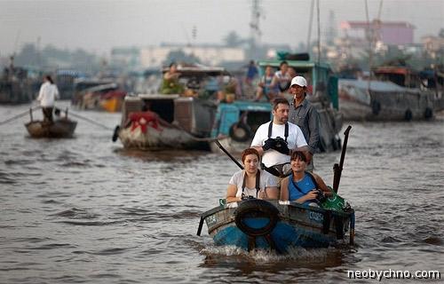 Белые туристы в дельте Меконга