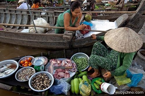 Дельта Меконга, торговцы на лодках