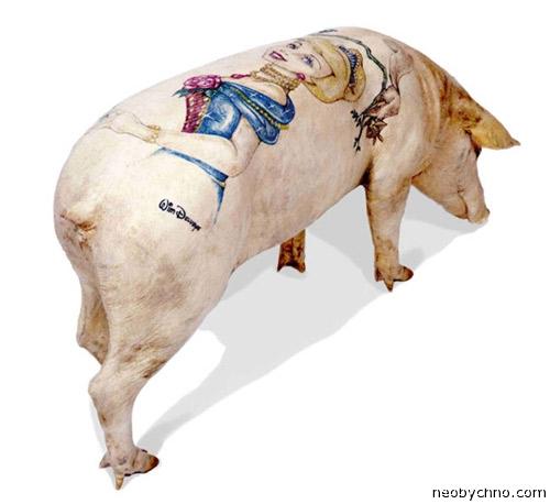 Татуировка на свинье
