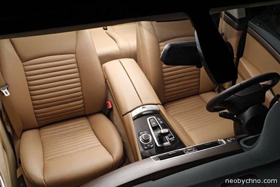 Стильный бежевый салон BMW 5