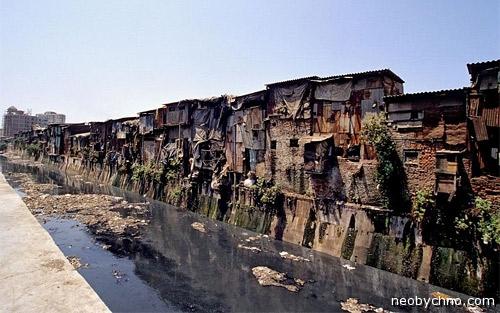 трущобы, жить тут можно, но страшно