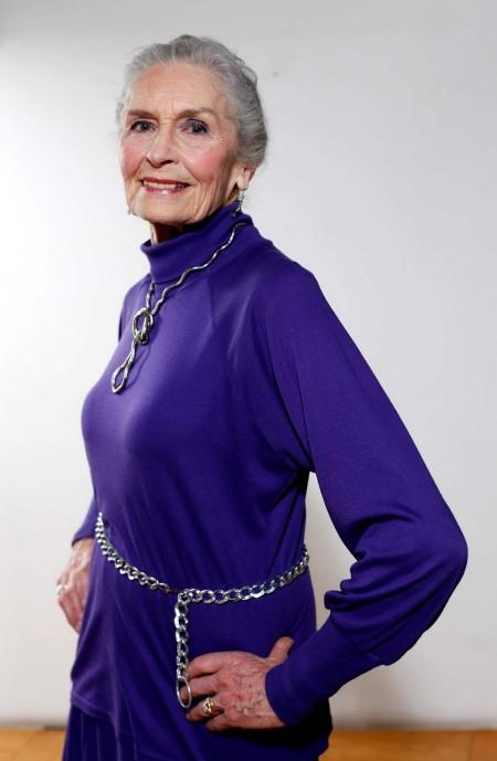 Старой но красивой женщиной фото 496-951