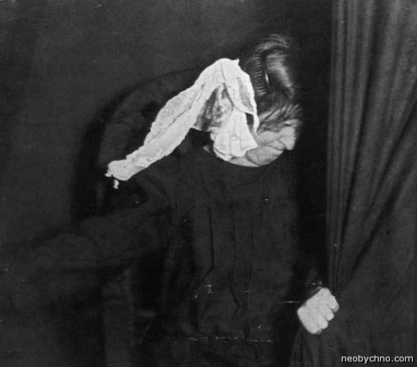 Тихие ужасы спиритических сеансов 100-летней давности