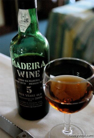 Знаменитые пьяницы и их любимые напитки