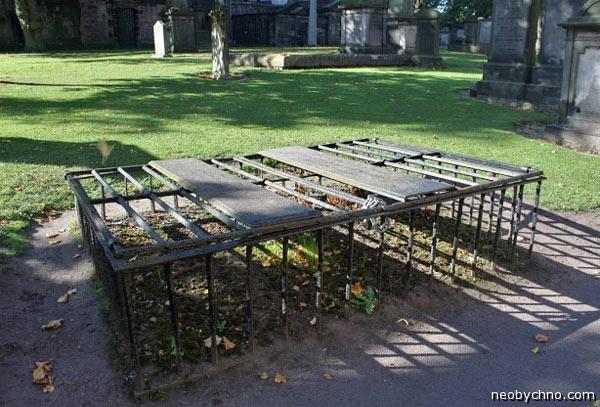 Памятники британской кладбищенской старины