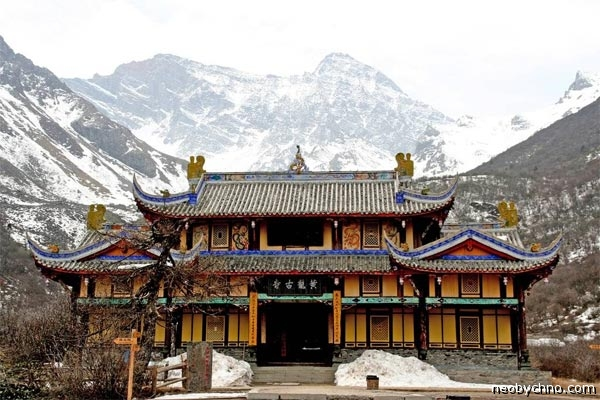 13-huanglong-temple
