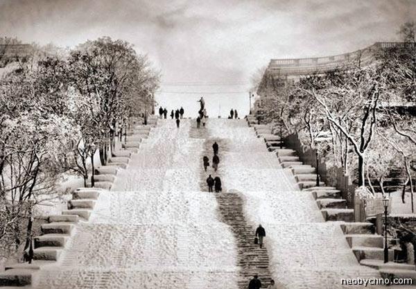 Потемкинская лестница в Одессе зимой