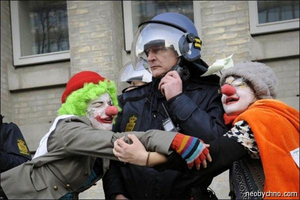 Армия клоунов