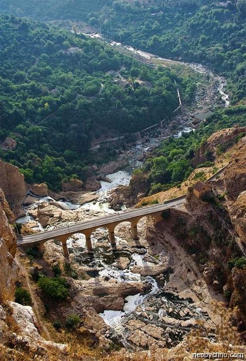 Дорога в необычный город Алжира