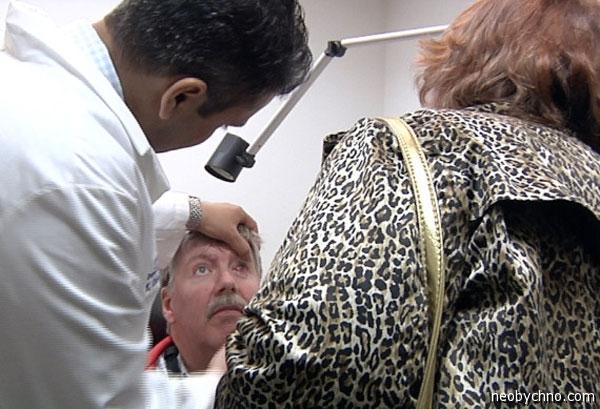Пациент с бионическим глазом