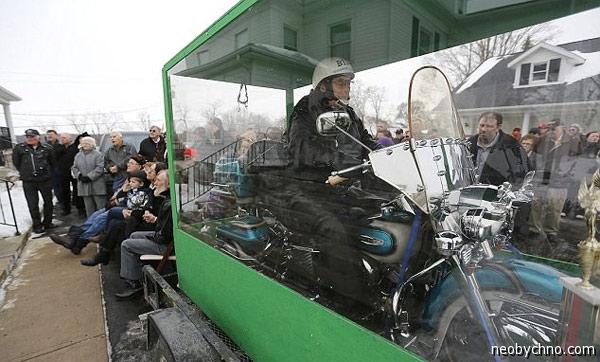 Похороны настоящего байкера