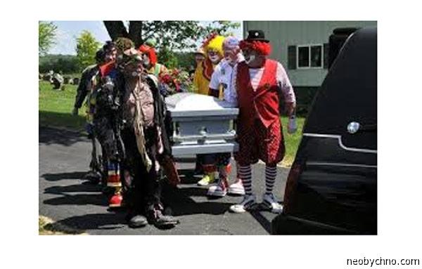 Клоуны на похоронах