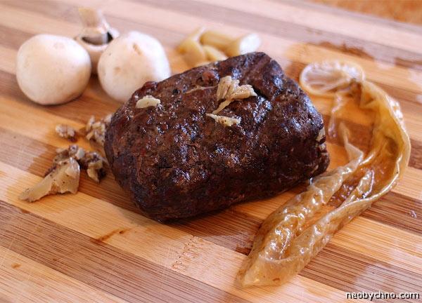 Мясо из презерватива ням-ням