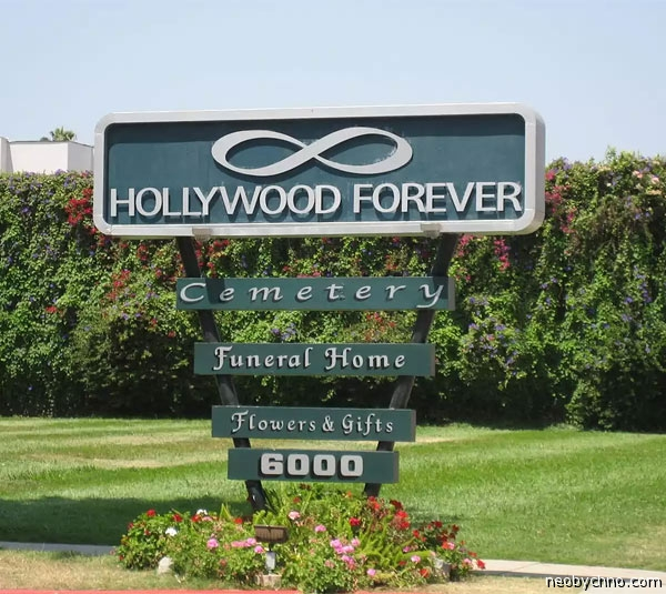 01-hollywood-forever