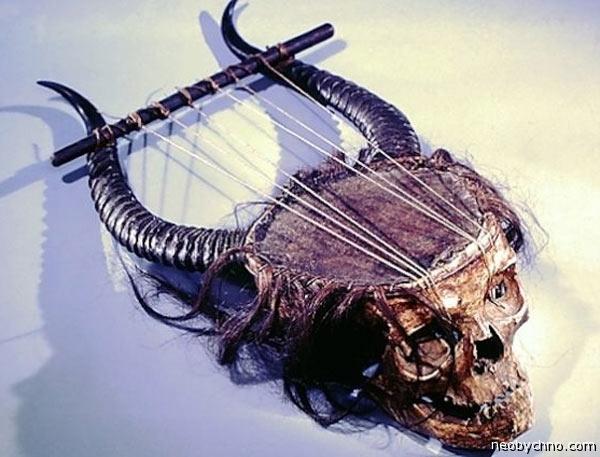 05-skull-lyre