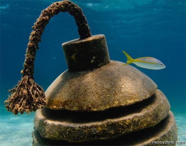 бомба подводная