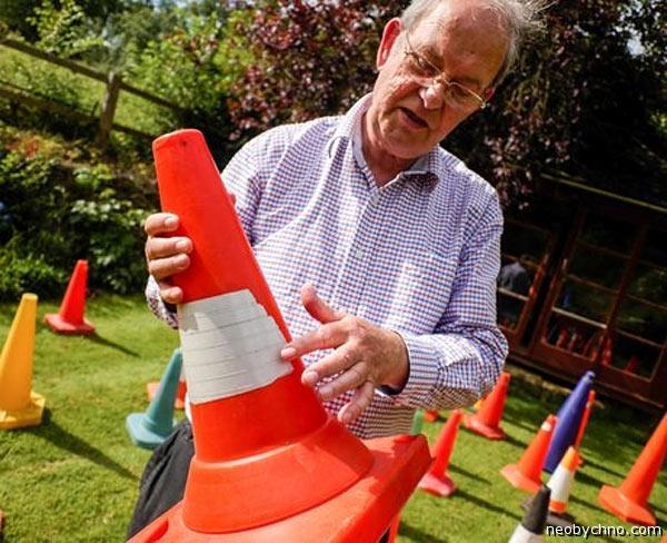 24-traffic-cones